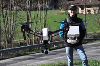 Nicolas-Querbouet-telepilote-de-drone-en-Haute-Savoie_350x232