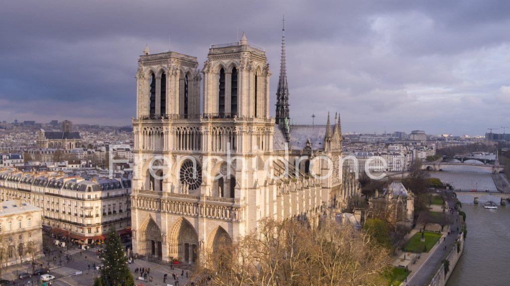 Notre-Dame-de-Paris-Frenchidrone