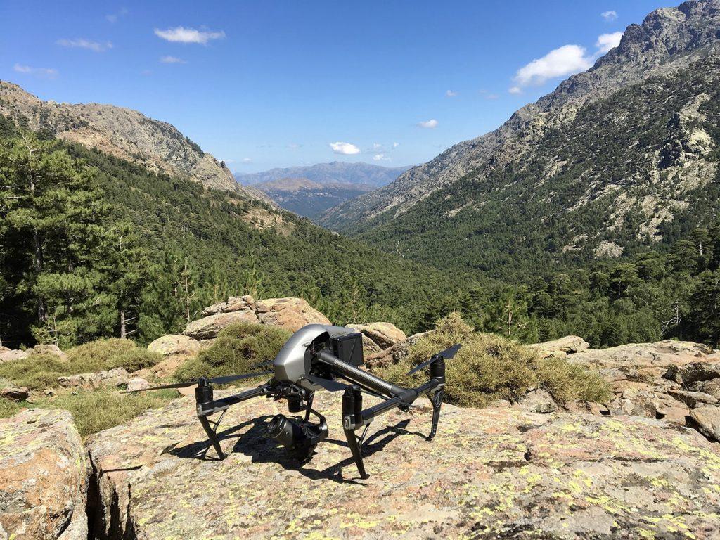 Drone-montagne-min