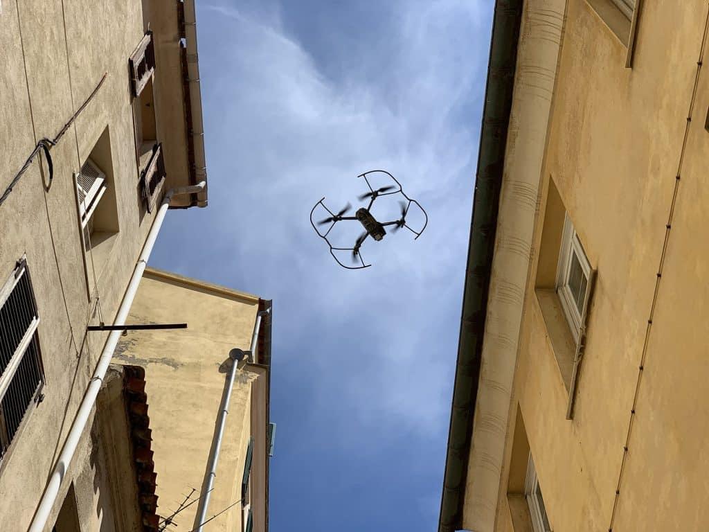 drone-en-ville-min